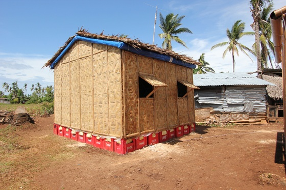 Shigeru Ban. Paper Log House