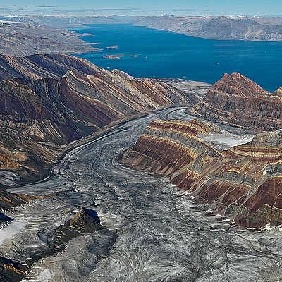Bernhard Edmaier_ Arctic-kong-oskar-fjord