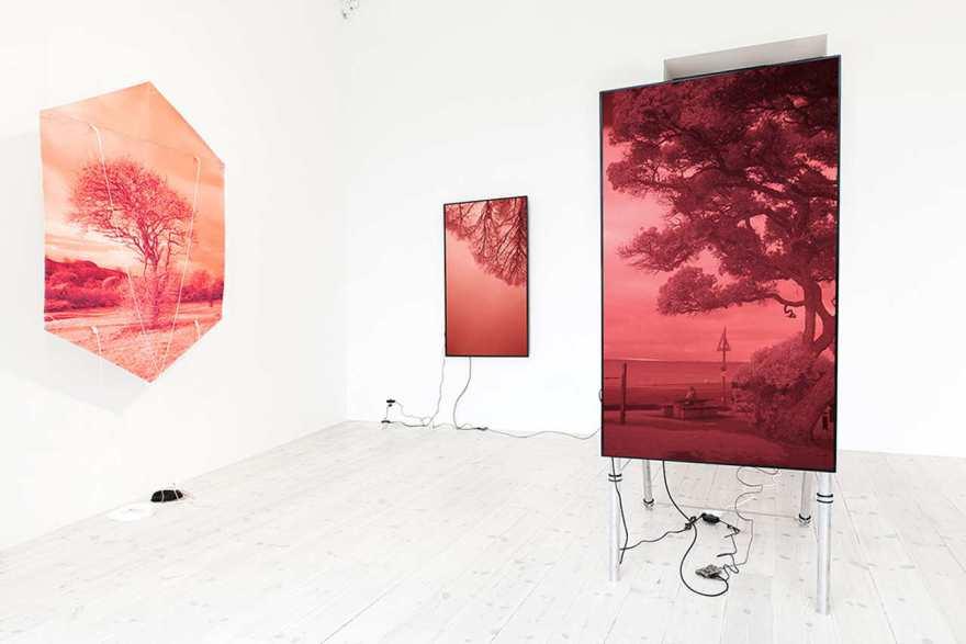 evan_roth-inline-2-kites-websites-exhibition.jpg