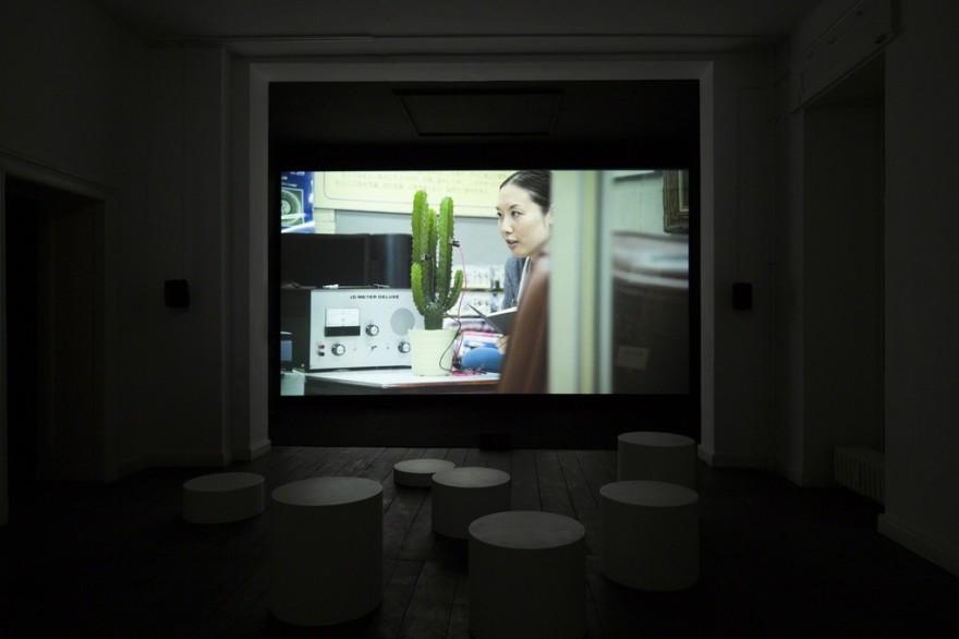 Elise_Florenty&MarcelTurkowsky-conversation_w_a_cactus