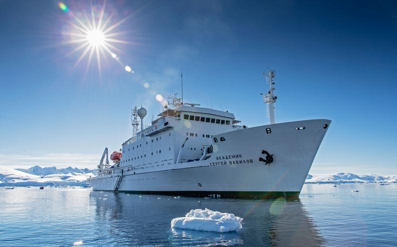 antarctic_biennale-ship-new2