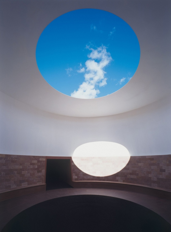 james-turrell-roden-crater-arizona-designboom-10